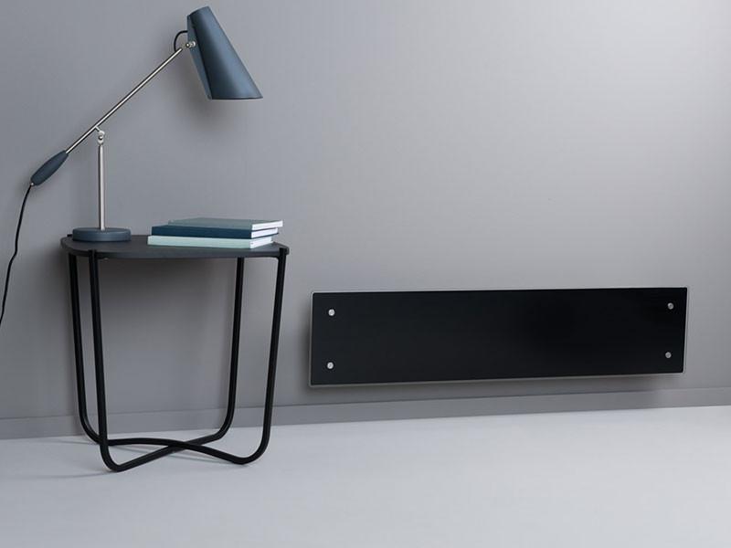 Adax Wifi Clea fekete asztallal